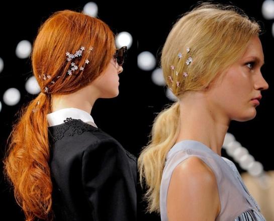 acessorios-de-cabelo-flores-pequenas-tendencia