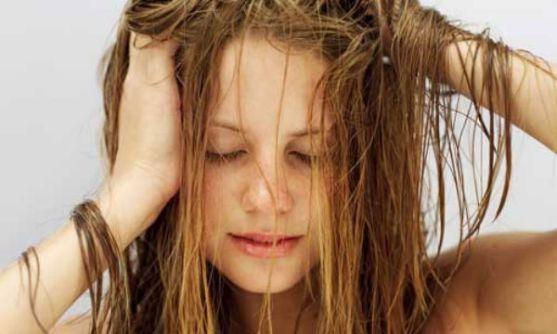 dormir-com-os-cabelos-molhados